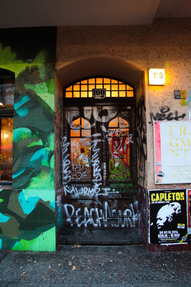 Anyone that follows my blog regularly will know that  I have a real thing about doorways - I love taking photos of doors. Berlin is an excellent place for doorways.