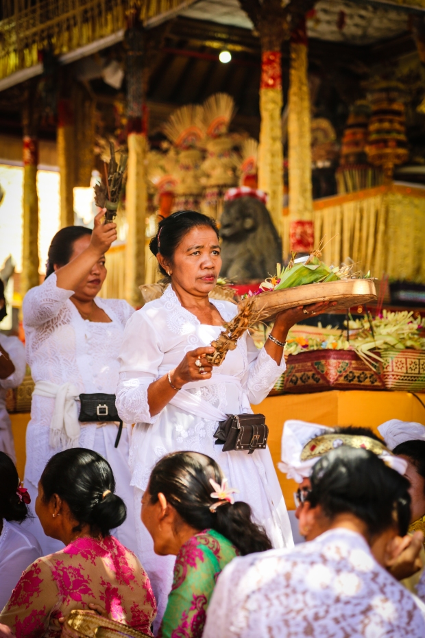 Offerings are made throughout the period of the ceremony.